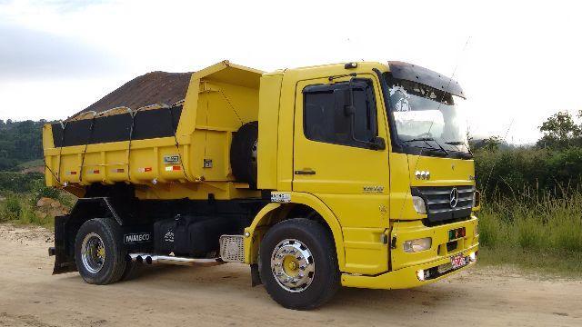 7 dicas para economizar na sua obra - caminhão de areia
