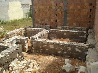 embasamento de pedra
